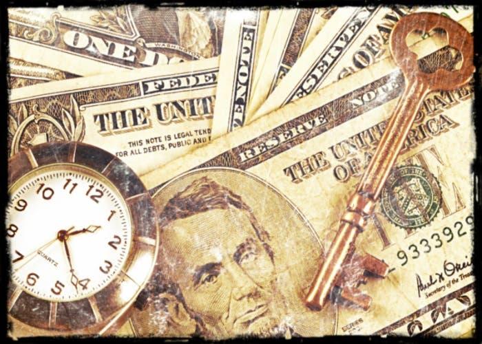 El reloj representa al tiempo y la llave la seguridad