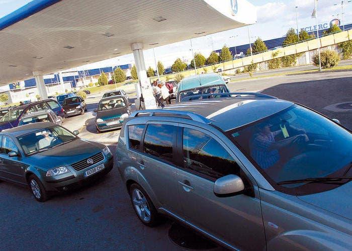 Las colas en las gasolineras el viernes por la tarde
