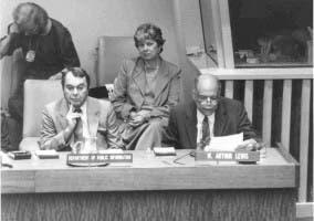 Ganador del Nobel en Economía de 1979 William Arthur Lewis