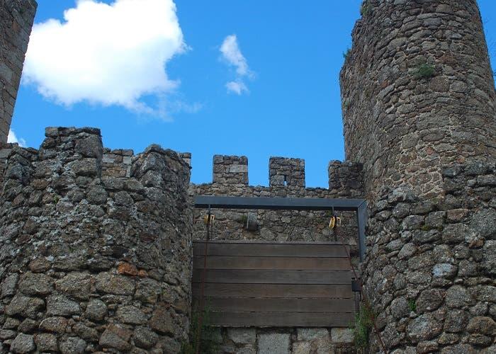 Frontal de una muralla