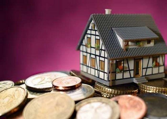 foto casa y dinero (Copiar)